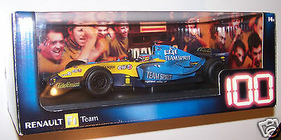 Fernando Alonso 1:18 F1 Bahrain 2005 RENAULT'S 100th Victory Raced Version
