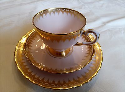 Belle tasse de collection porcelaine anglaise ( fine bone china Tuscan England)