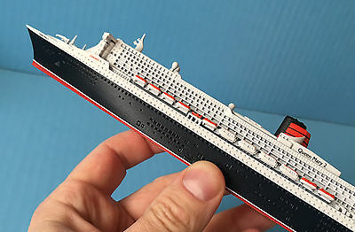 MODEL cruise ship QUEEN MARY 2 1/1250 Cunard Line, post-2016 refit, SCHERBAK