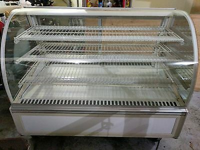 Federal Industries Non-Refrigerated Bakery Display Case SN-59~LOCAL PICK UP ONLY