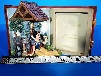 Walt Disney RARE Snow White Figurine Story Book 3-D Picture Frame Vintage