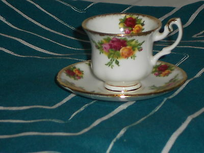 Royal Albert Old Country Roses RARE Miniature Cup&Saucer mint undermarked1962
