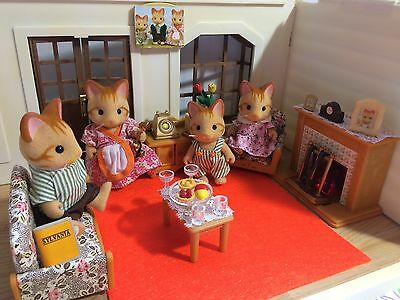 Sylvanian Families GINGER CAT FAMILY, LIVING ROOM FURNITURE & ACCESSORIES!