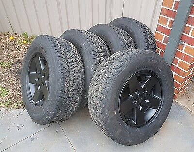 jeep jk 17inch alloy wheels and tyres