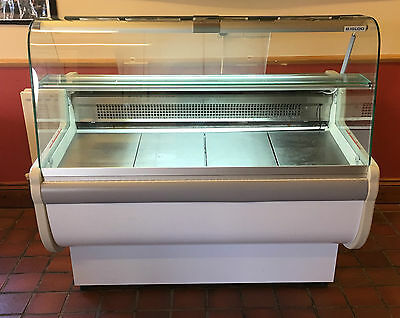 Igloo Over Counter Display Fridge Chiller