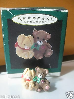 Vintage 1994 Friends Need Hugs - Bears - Mini Christmas Tree Ornament