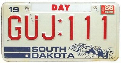 Vintage South Dakota 1986 License Plate GUJ-111 Mt Rushmore Graphic, Day County