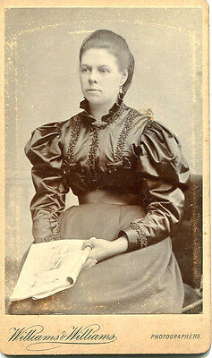 1890s cdv photograph by Williams & Williams of Hereford portrait of a lady