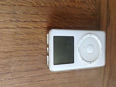 Apple iPod Classic 20 GB White (2nd Generation)  - untested