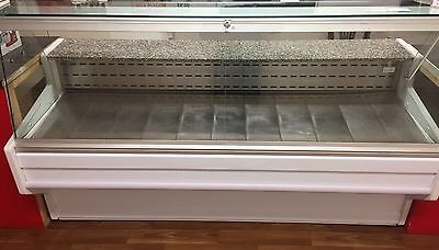 refrigerated SERVE-OVER DISPLAY COUNTER (2m)