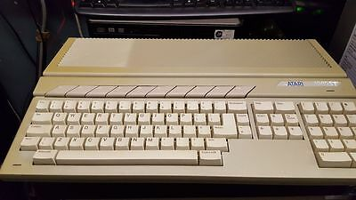 Atari 1040 STE with games/demo's totalling 130 (f)