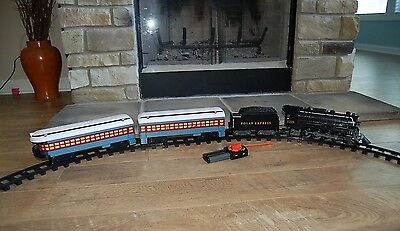Lionel Polar Express Ready to Play Train Set With Remote Control
