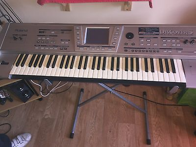 Roland Discover 5 keyboard