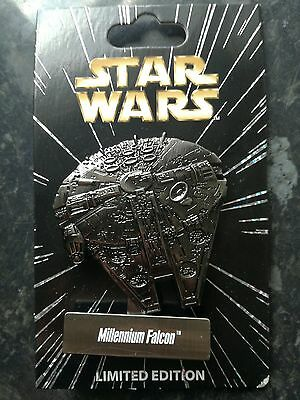 P4 Jumbo Millennium Falcon Disney Trading Pin - Limited Edition with card