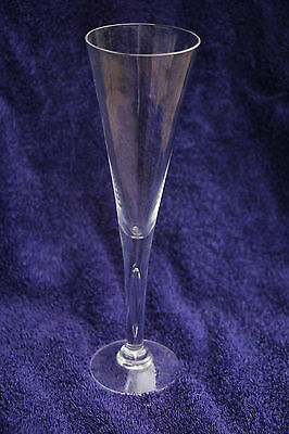 "Dartington lead crystal ""Sharon"" champagne flute"