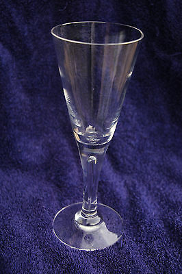 "Dartington lead crystal ""Sharon"" wine glass"
