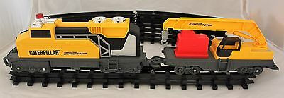 0 Gauge CAT Caterpillar Construction Train Set - Engine, 3 carriages & track