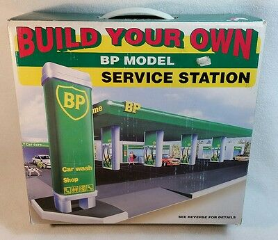 Build Your Own Snap Together No Glue Bp Model Service Station Kit Sealed Ob