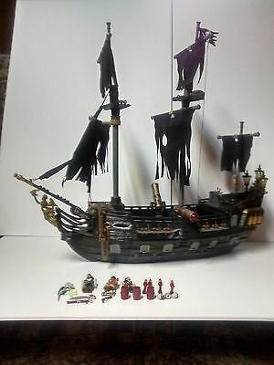 Mega Bloks #1066  Pirates Of The Caribbean Black Pearl Pirate ship