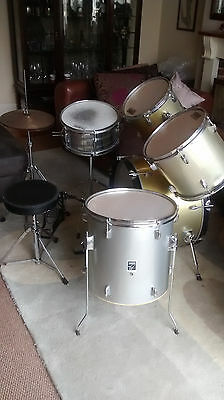 Performance Percussion full Drum kit and stool