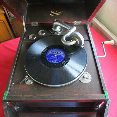 Vintage Wind Up Table Top Record Player
