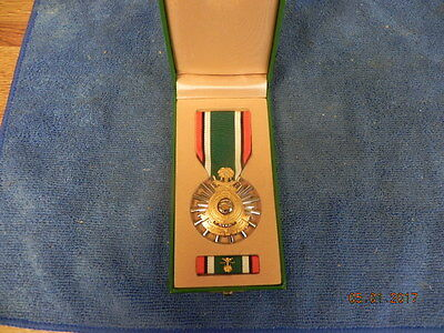 Saudi Arabia Liberation of Kuwait MEDAL as issued green Presentation Case