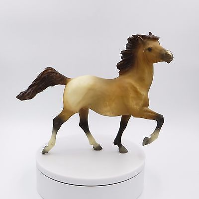 Breyer Reeves Bob Schriver Traditional Buckshot Mustang Horse #1121 1:9 Scale