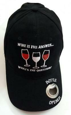 Cappellino per grigliata Wine is the Answer con apribottiglie in metallo