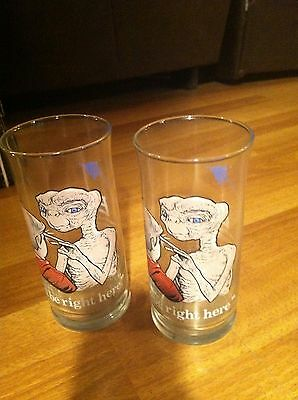 """Set of 2 ET  1982 Collectible Pizza Hut Glasses """"I'll be right here"""""""