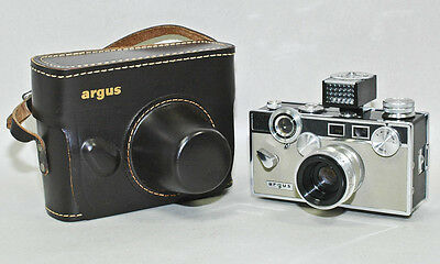 Vintage ARGUC C3 MATCHMATIC 35mm Rangefinder CAMERA two-tone grey with meter