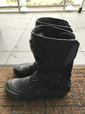 Dainese Mens Boots - Giro ST. Size Euro 44