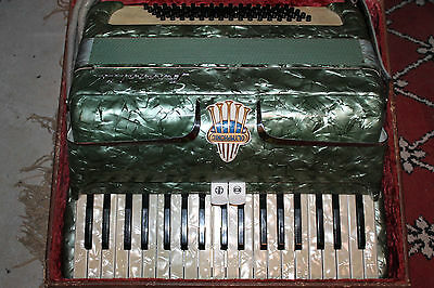Serenelli Olymphonic Piano Accordion + Hard Case - Great Condition Vintage