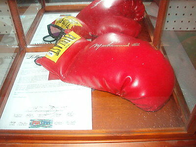 Muhammad Ali Signed Everlast Glove PSA DNA The Greatest MUST HAVE !!!