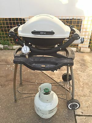 Weber Baby Q100 - New Hood, New Grill - Stand - Gas