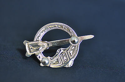 9ct Yellow Gold Celtic Design Brooch Hallmarked 375