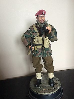 1/6 Scale Dragon Action Figures British Airborne Paratrooper Officer Roy