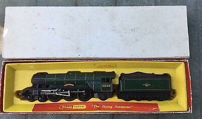"""Triang Hornby R850 BR Green """" Flying Scotsman"""" 4-6-2 and Box"""