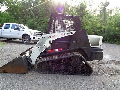 Terex skid steer 2012  1300 hours