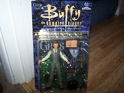 Buffy The Vampire Slayer Giles carded .