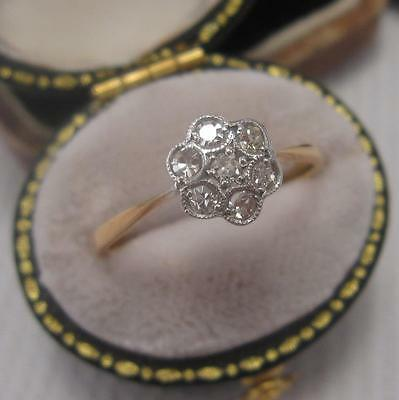 VINTAGE ART DECO DIAMOND DAISY CLUSTER RING in 18ct GOLD and PLATINUM size N