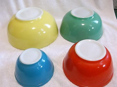 4 Pc Set Pyrex Primary Colors Mixing Bowls Yellow Red Green Blue Older Trademark