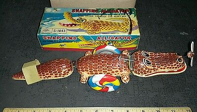Vintage Tin Litho Wind-Up Snapping Alligator W/box, S&e Made In Japan, Works !!