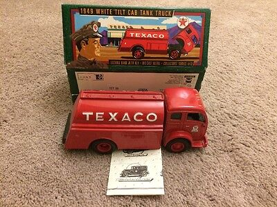TEXACO #13  - 1949 WHITE TILT CAB TANKER - DIECAST BANK by ERTL #F950