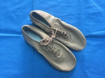 Tan Leather Jazz Dance Shoes - Size 5½ (Adult)