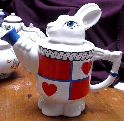 novelty white rabbit from alice in wonderland teapot wade