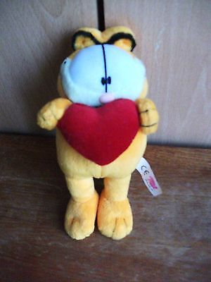 Garfield - Gosh. Love Heart Garfield.