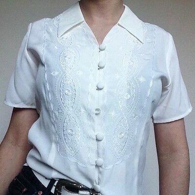 Vintage cream slightly fitted short sleeve blouse with embroidered front Size 8
