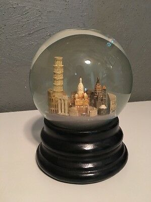 ITALY Saks Fifth Avenue Musical Snow Globe Retired