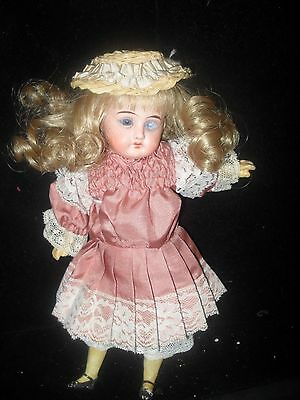 VINTAGE DOLL ALL ORIGINAL Head 1000 10/0 she is 9.5 ' tall OPEN MOUTH