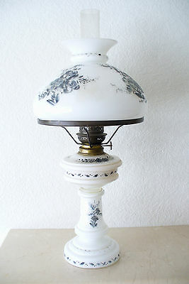 Antique / Vintage Oil Lamp